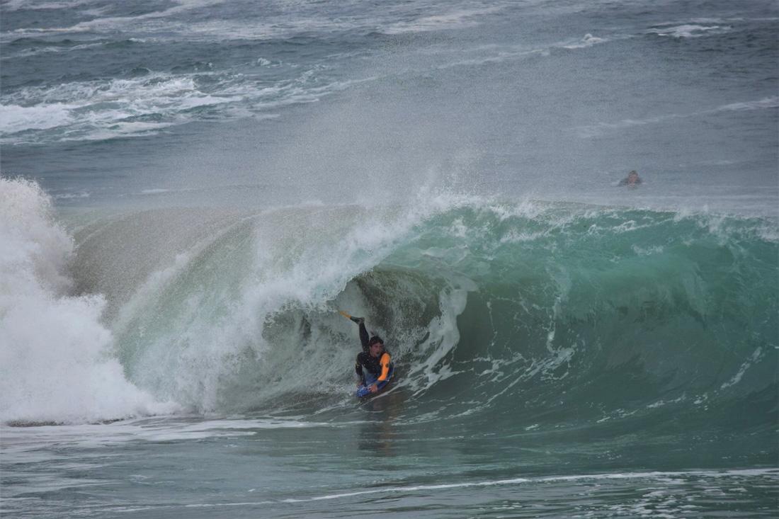 Les moniteurs du Minou Surf School vous encadrent tout au long de l'année.